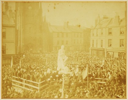 Photograph taken of the Burns Statue unveiling in Dumfries, obtained from http://www.burnsscotland.com/items/u/unveiling-of-burns-statue,-dumfries.aspx